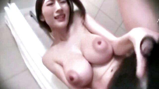 Teen freie erotik filme Amateur Blondine in ihrem ersten Porno p2