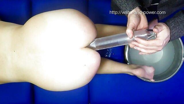 Blond mit Bigtits, die sich in Dessous fingern erotische pornofilme gratis
