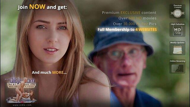 Junge Frau spielt mit riesigen Schwanz 2 erotikfilme kostenlos gucken