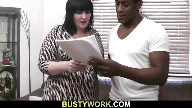 Angelina masturbiert mit erotik filme gratis anschauen einem langen riesigen Dildo