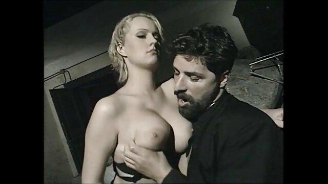 Wird sie kostenlose erotische filme den Weichei abspritzen lassen?