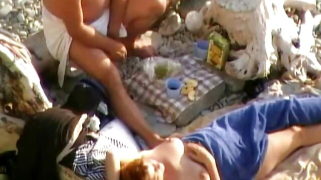 Zwei filme erotik kostenlos wohlhabende Damen teilen sich einen Mann