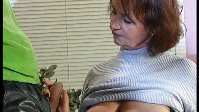 Tier spielt mit seinem erotische gratis filme Fotzenloch